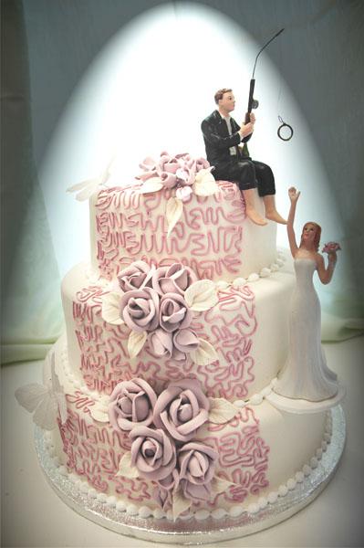 Kake med lys fiollett pynt_600
