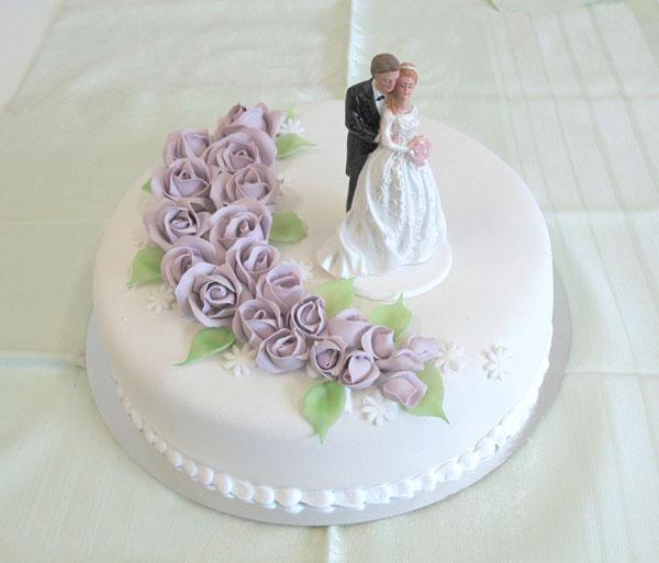 kake med lilla roser_600
